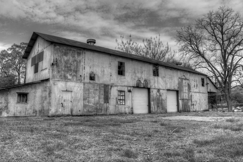 Hernando-MS-old-building-B&W
