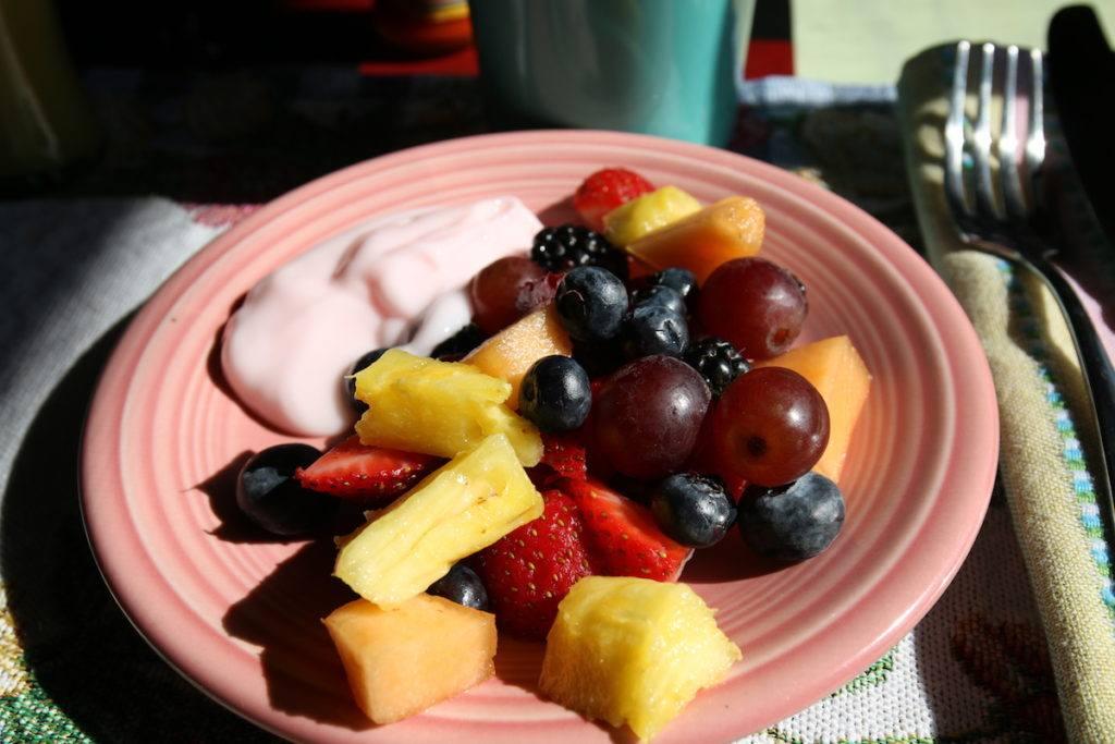 Fresh fruit at Ghost City Inn by MikesRoadTrip.com