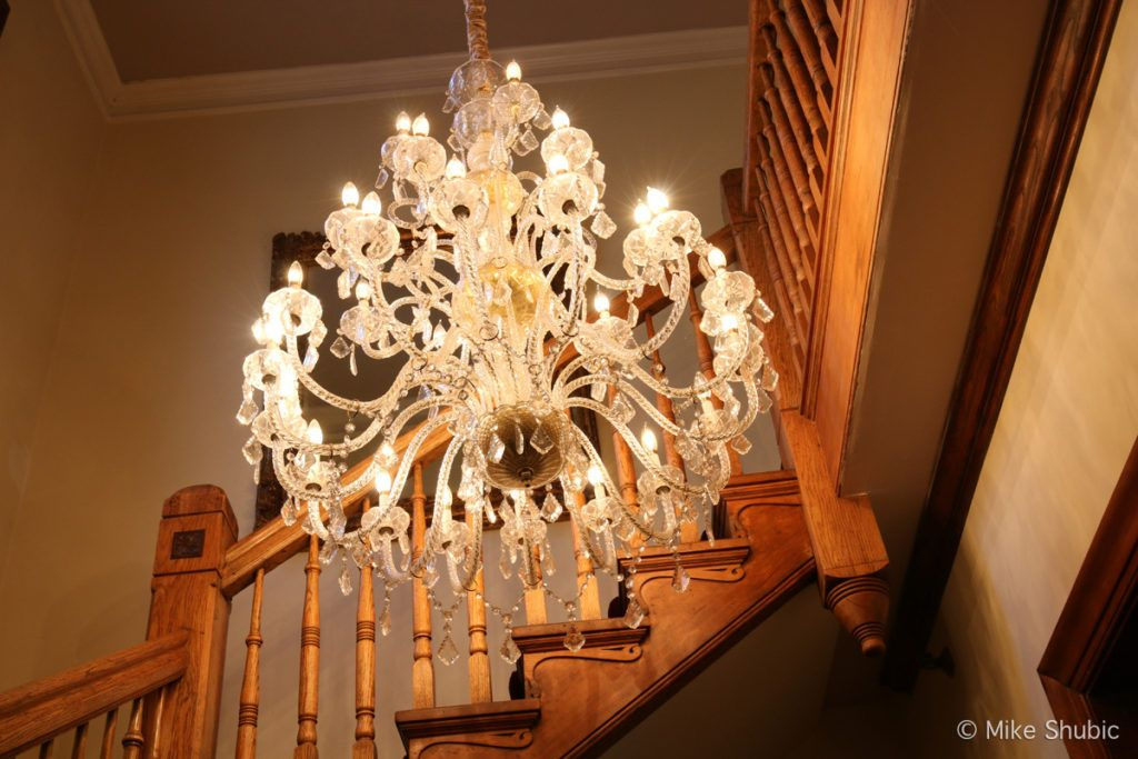 chandelier from gone with the wind at Hines Mansion