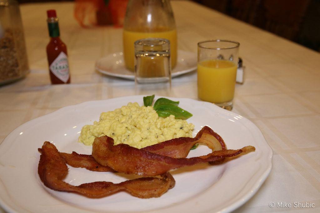 Breakfast at Hines Mansion
