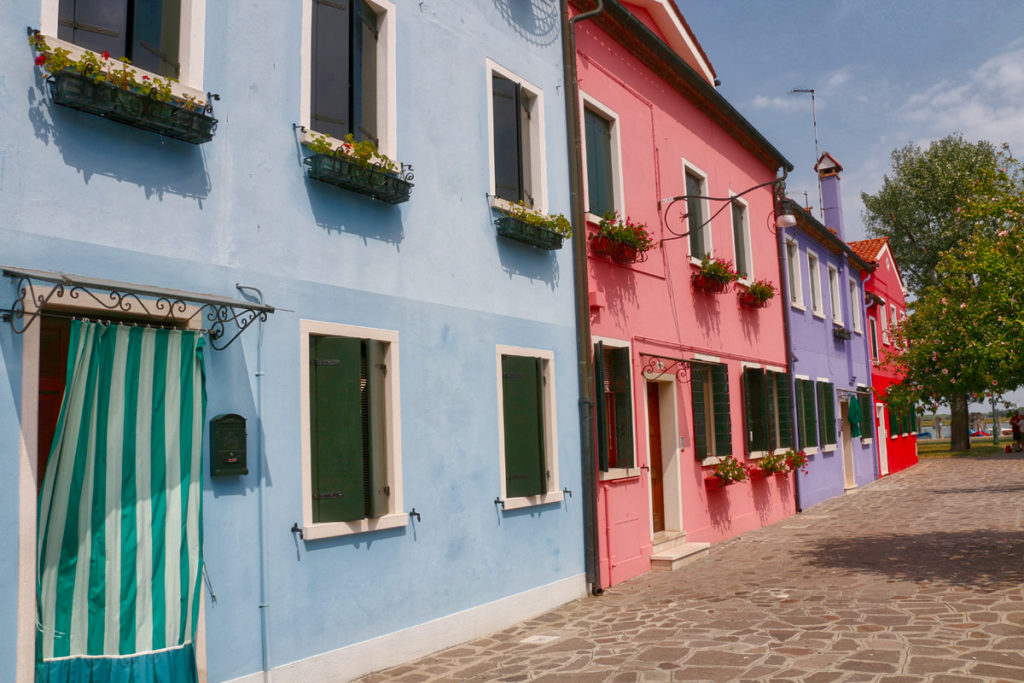 Burano Italy homes by Mike Shubic of MikesRoadTrip.com