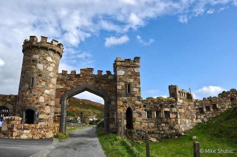 Castle entrance in Ireland by MikesRoadtrip.com